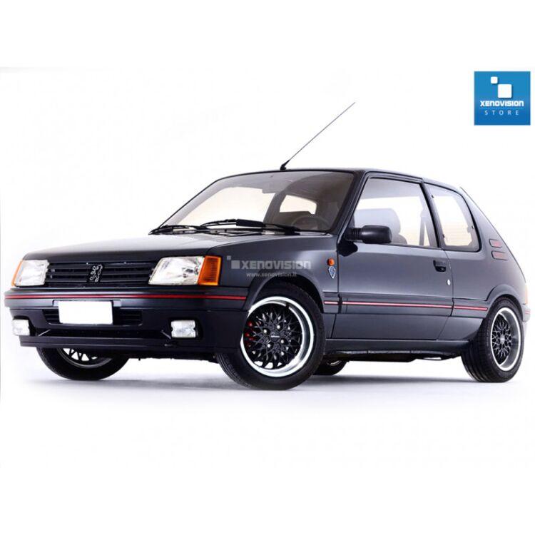 <p>Kit BiXenon 35W specifico per il faro della Peugeot 205 dal 1983 al 1999 e Luci Posizione a Led in tinta. Plug&amp;Play zero spie, contiene tutto l&#39;occorrente. Luce Bianco Lunare 6000k.</p>