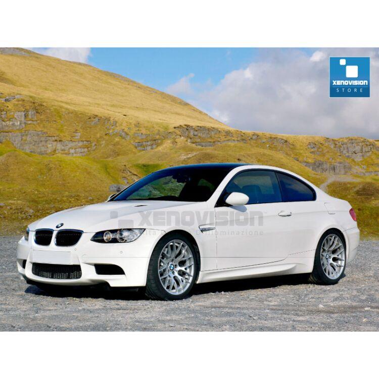 <p>Kit Xenon 35W specifico per il faro della BMW E92 dal 2005 al 2013. Plug&amp;Play zero spie, contiene tutto l'occorrente. Luce Bianco Lunare 6000k.</p>