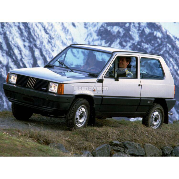 <p>Kit BiXenon 35W specifico per il faro della Fiat Panda dal 1980 al 2004. Plug&amp;Play zero spie, contiene tutto l&#39;occorrente. Luce Bianco Solare 5000k.</p>